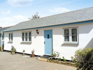 2 bedroom property in St Austell. Pet friendly.