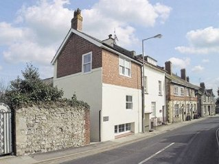 2 bedroom property in Lyme Regis.