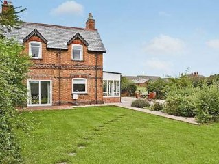2 bedroom property in All Nottinghamshire.