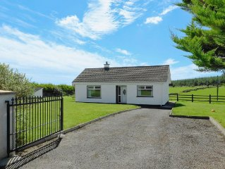 3 bedroom property in Dungarvan. Pet friendly.