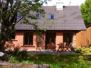 Rusheens Cottage. Charming comfortable cottage with sauna in peaceful valley.
