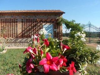 PODERE BENEVENTO casa Carmen in colonica , terrazzo esclusivo(40 mq) e piscina