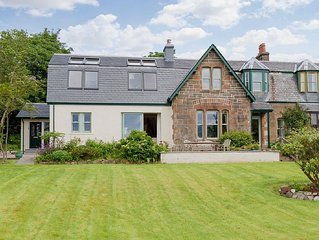 4 bedroom property in Fort William. Pet friendly.
