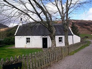 1 bedroom property in Fort Augustus. Pet friendly.