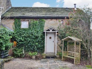 2 bedroom property in Edale.