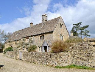 4 bedroom property in Bourton-on-the-Water.