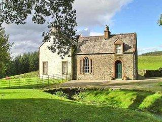 3 bedroom property in Castle Douglas. Pet friendly.