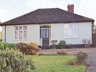 2 bedroom property in Bury St Edmunds. Pet friendly.