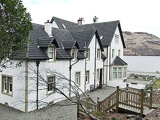3 bedroom property in Crianlarich. Pet friendly.