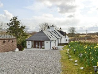 3 bedroom property in Sligachan. Pet friendly.