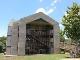 Condo with Pool   Hot Tub   Free WiFi  Top Floor   Lake Views   2.2 miles from S
