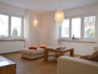 Top Ausgestattete Erdgeschoss-Wohnung mit Seeblick und großem Balkon