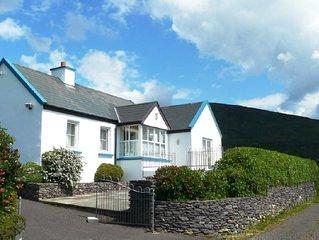 Kustennahes Haus an der wunderschonen Bucht von Derrynane in County Kerry.