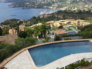 Villa avec Piscine Vue mer imprenable à l'orée du Parc Naturel de l' Esterel