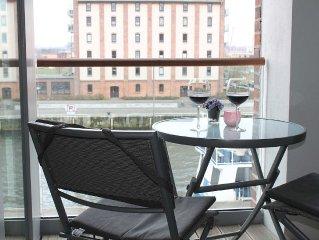 Ferienwohnung 'Hafen' mit Loggia und Hafenblick - Schifferhus im alten Hafen Wis