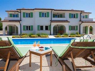 08101 Mediterranean villa
