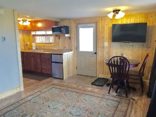 Cozy Cabin-We cover the Cleaning Fee