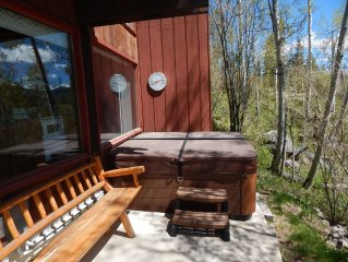 Snowshoe House in Winter Park - escape the everyday to this lovely cabin rental