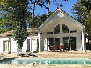Charmante villa au calme avec piscine chauffée dans le domaine du golf