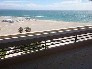Appartement front de mer immeuble de standing Canet sud avec parking accès WIFI