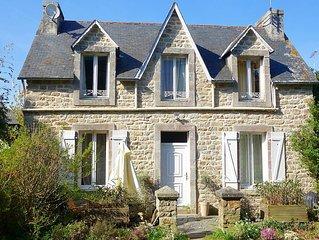 Jolie maison en pierre traditionnelle