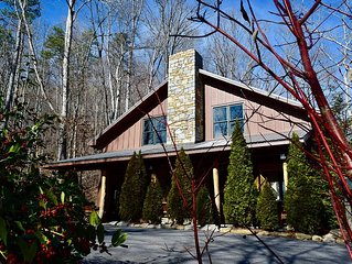 Outdoor Fireplace, Hot Tub, Pool Table, Waterfalls, Hdtv Wi-Fi, 15 min to Ashevi