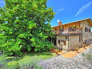 Traditional villa with private pool and panoramic views in pretty Tuscan village