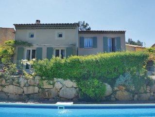 Haus mit Pool in wunderschöner Lage