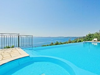 Lovely villa with private swimming pool and amazing sea views in Barbati