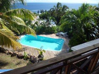 Studio RDC indépendant  dans villa avec piscine  proche du lagon et vue mer