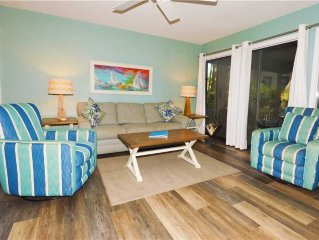 Lovely Villa With 2 Suites, Screened In Porch Just 5 Minutes From the Beach - E