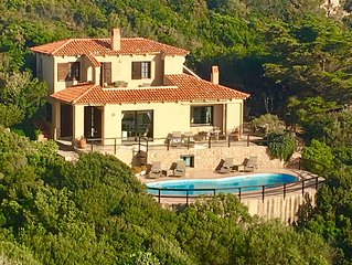 Detached & luxurious 3 bed villa + annex, private pool & spectacular sea views