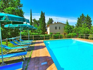 Lovely villa with private swimming pool and gardens in Castel San Gimignano
