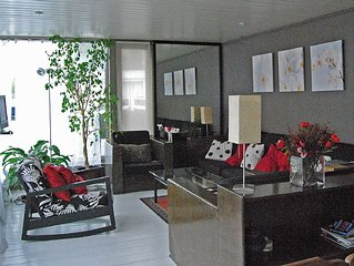 3 bedroom houseboat in the centre of Amsterdam