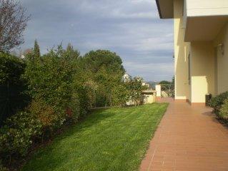 Casa Gardenia con giardino in Toscana tra arte-natura-mare