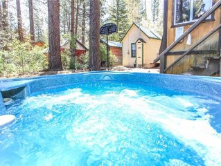 Prescott's Place - Adorable cabin close to Bear Mountain and a little over a mi