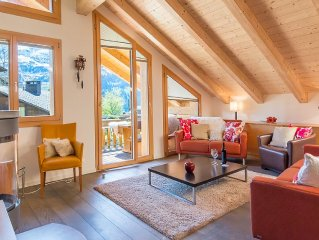 Warm And Invitingly Furnished Duplex Apartment In Ski-in, Ski-out Chalet Luna!