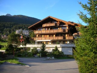 Exklusive Ferienwohnung, sehr schones Chalet, ruhige und zentrale Lage