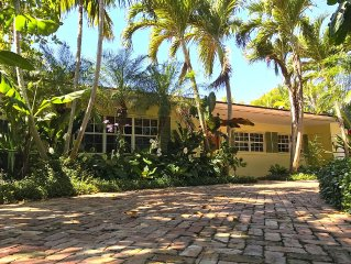 Tropical Oasis, Family Friendly Palm Beach House