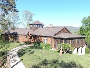 'Winding Ridge' a Mountaintop Home with Incredible Views!