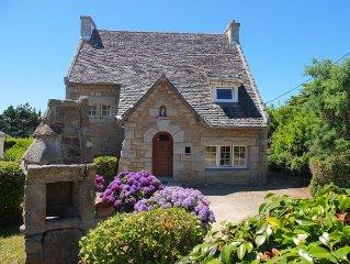 Très belle maison bretonne, en granite à 3 mn de la plage