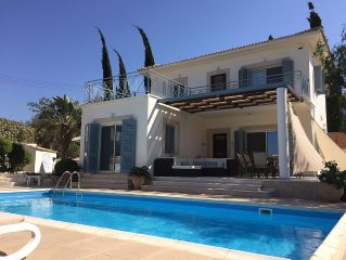 Luxury, peaceful villa with large pool, sea views, 5 minutes stroll to beach