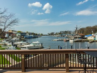 Historic Condo Within Walking Distance To The Beach And Downtown South Haven