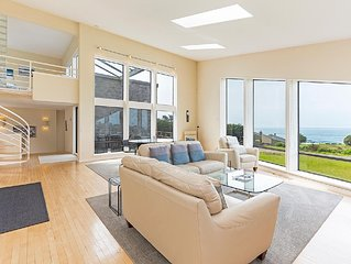 Modern with stunning ocean views, 2 bedroom plus loft, 2.5 bathroom private hom