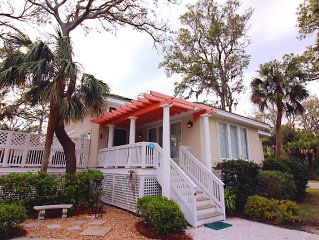 Steps to Ocean and Shops, Sleeps 10, 4 Br, 4 Ba, Year-round Heated Pool
