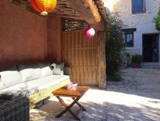 Soleil et calme dans cette maison de village a La Colle sur Loup