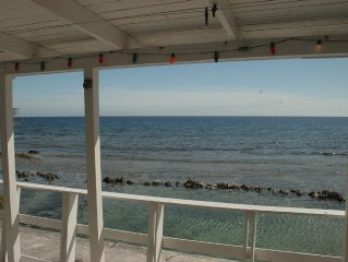 SLEEPS 20 HOME ON KEY REEF SNORKELING IN FRONT OF HOME, AUTHENTIC EXPERIENCE