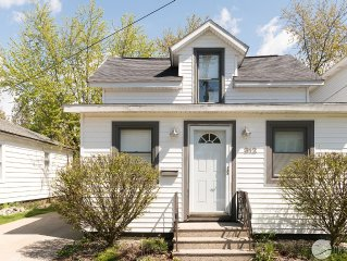 Haven Hideaway in Grand Haven, MI -  walk to downtown and waterfront