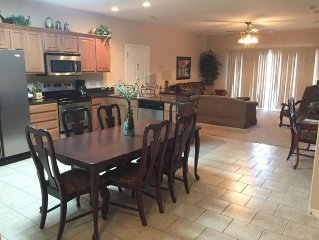 *3 BR, 2 Bath Table Rock Lakefront Condo (No Dock Acccess)