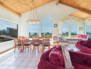 Dazzling four bedroom, three bathroom private home on the ocean side of the hwy